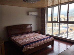 五洲城44個平方加44個平方。2室2廳1衛。精裝修,拎包入住。掛價50萬。