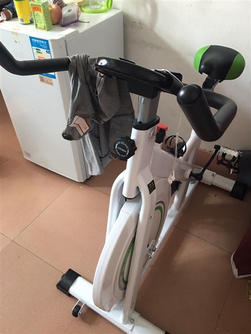 英而健動感單車買來減肥用的,沒用幾天要搬家嫌麻煩,誰要便宜賣了九成新
