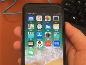 自用苹果7代128G,黑色,9成新!所用功能完好无损!三网通!我在寻乌县!价格优惠给需要的人!