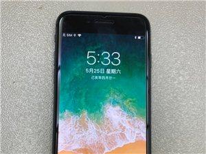 苹果8代64g深空灰色国行三网通用,支付移动联通电信4g,成色完善,无拆修,价钱漂亮