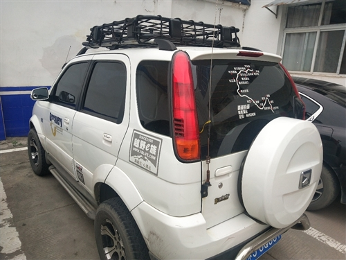 众泰5008,2013年上牌,49,000公里,后驱,没有大修,上下班代步用,加装的有行李架,行李架...
