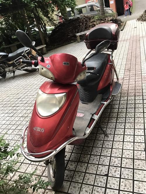 自家用了,因为换了摩托车便宜卖了。去年底换的电池