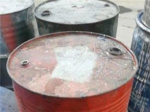 求购200升的旧铁桶1000个,吨桶120个,蓝皮桶1000个,有资质,可开联单,完成环保手续。中介...