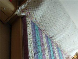 一米八  一米五     一米二     三张床带床架 有写房需要低价出售