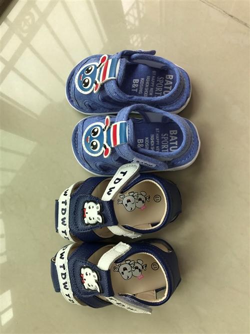 有没有宝妈想要学步鞋?我朋友送了两双鞋子给我儿子,但是都太小了,放着浪费又可惜,便宜出,一双15元,...