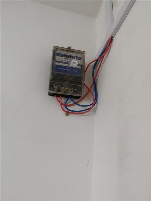 九成新電表2個,地址:??h建業西,出售需要的自提。90元/個