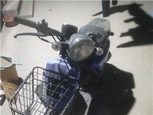 轻骑铃鹿踏板48cc,九成新很爱惜跑了1200公里,因工作原因转让,有喜欢的可以联系我,价格可议