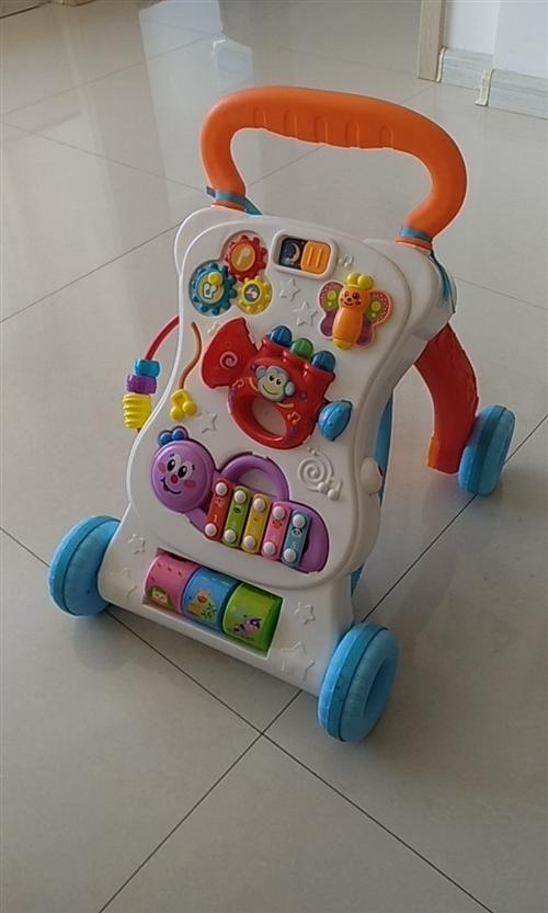 宝宝手推学步车,9层新。
