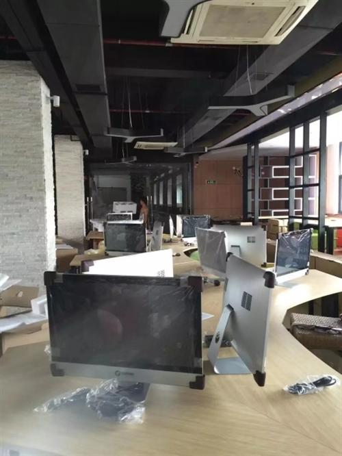 网吧停业电脑甩卖,90台全铝外壳乐事一体机 适用于游戏(可以吃鸡)、办公、客服、前台,外观漂亮,高端...