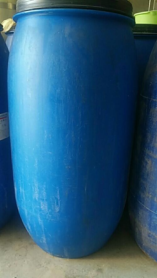 170公斤塑料桶便宜出售,價格40元一個
