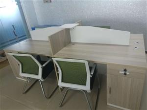 出售公司闲置95新办公桌套,带4把椅子