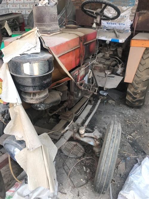 出售拖拉机能正常使用两台播种机,废铁价处理。地址梁村镇电话157 3175 6690