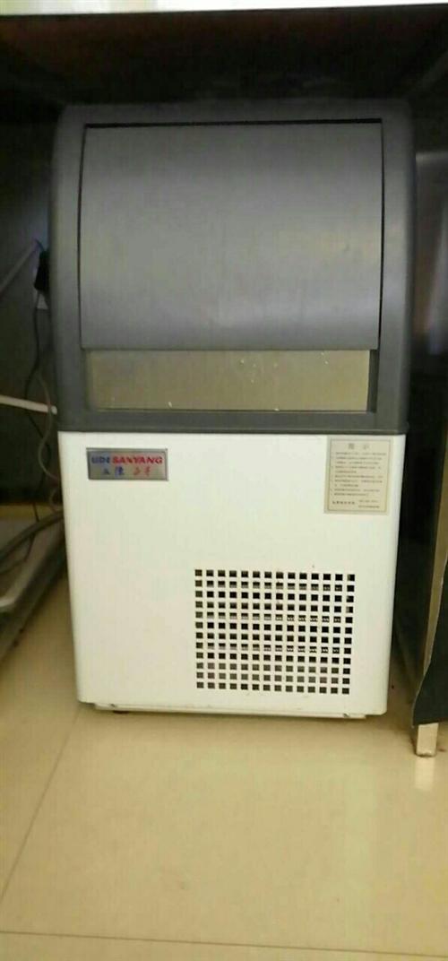 奶茶设备转让,制冰机,全自动封口机,蒸汽加热器,还有一些其他小物件,诚意的电联,价格面议!