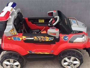 現出售一輛九成新兒童電動汽車,電池是新換的,全新,可遙控可自己開,買回來孩子不坐所以一直閑置,車況良...