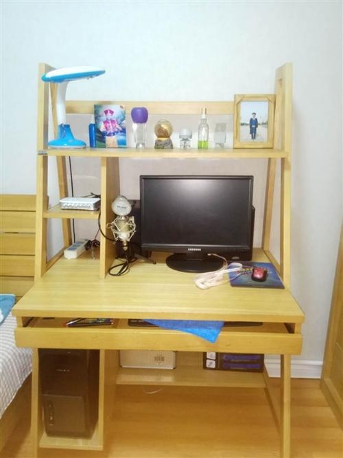 家用母子床1.2*2米带穗宝牌高端床垫一套。电脑桌1*0.6*0.8一个。想换大的床。所以出售。价格...