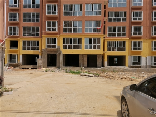 建国新村小区2楼中户抵工程款房子?#25269;?#24613;售比市场价低