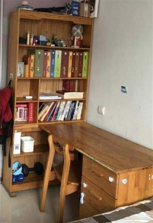 蓝天沙发1500,茶几100,实木书桌1500,纯实木床1.8×2.0售1500,纯实木床1.5×2...
