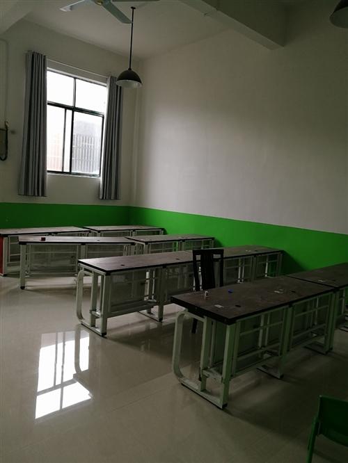 大量收二手桌子,板凳,量大从优。