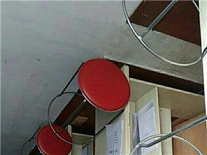 教育机构所有设备转让。包括课桌21张,圆凳50个,格力空调4台,打印机1台,电脑1台,文件柜2个,前...