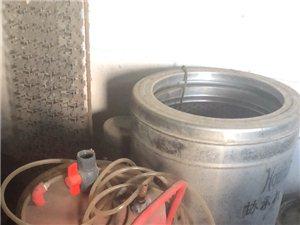 出售汽车美容设备一套包括(新款高压清洗机两台  自动回管机一台二合一  甩干机一台  2800转三千...