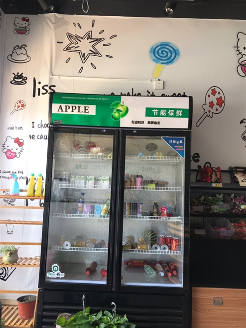 冷藏柜。零食货架,烟柜,收银机,饮水机,需要的找我