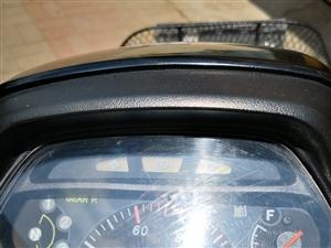豪爵彎梁110一臺,2012年八月上牌,因2013年買了轎車,一直沒怎么騎,目前只騎了5000多里。...