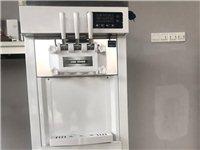 图一是九成新冰激凌机器,使用时间一个月。 图二图三是硬质冰激凌机,五六成新,价格可议。 图四图五...