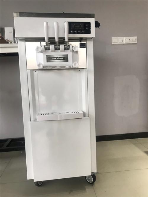 圖一是九成新冰激凌機器,使用時間一個月。 圖二圖三是硬質冰激凌機,五六成新,價格可議。 圖四圖五...