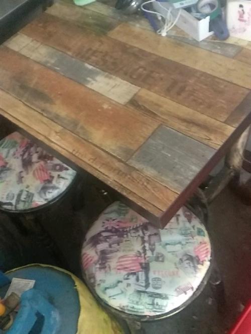 1000塊出售1.8米大冰柜,2.3米長三槽洗碗池,1.65高1.2米寬半封閉置物架,復古銅藝小餐桌...