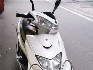 雅馬哈迅鷹(電噴)車容車貌良好、無任何車輛技術問題,在購買時已在專賣店改裝氙氣燈,手續齊全(保險、證...