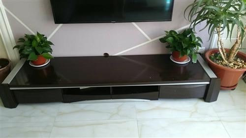 实木电视柜,外观完好,因换房子小,放不下,忍痛割爱!100块钱!
