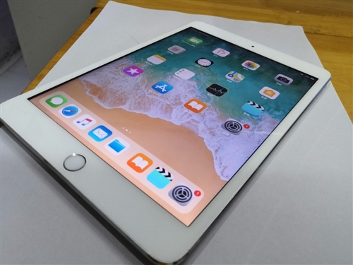 苹果迷你2  平板电脑全原装 无拆无休 成色不错  不议价 不议价 不议价 看好直接拍就行了 ...