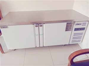 9.9成新的冷藏操作台