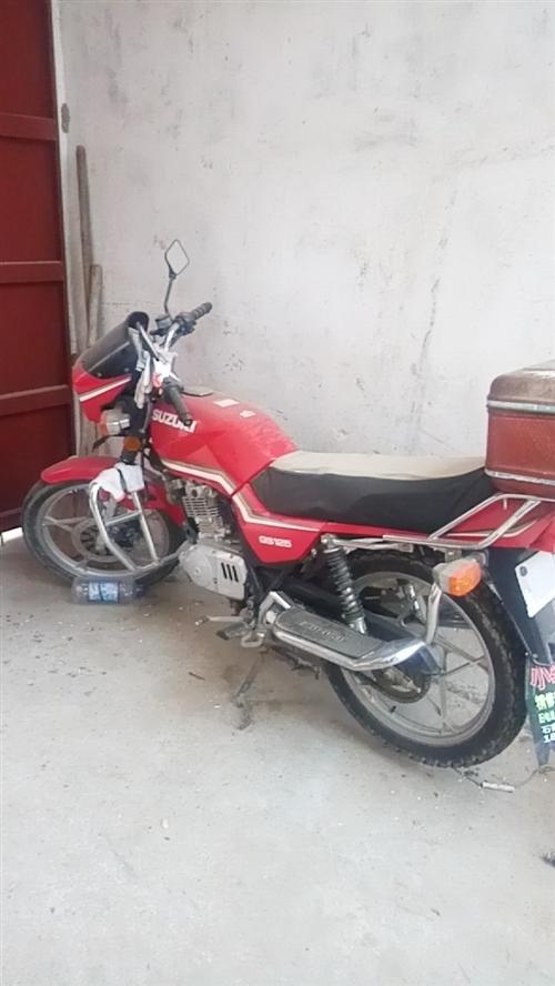铃木125摩托车,有8成新,需要的联系