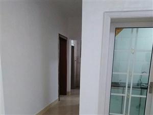 夜市街接官亭房子,全新�b修拎包入住,首付只要二十�f左右,居家首�x。