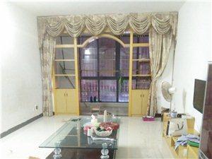 昌平佳苑,3室2厅2卫,精装修,送杂间,拎包入住!