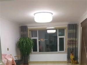 鸿基名苑2室 1厅 1卫61.8万元