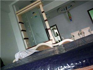 聚祥花园精装舒适3室 2厅 2卫出租1400元/月