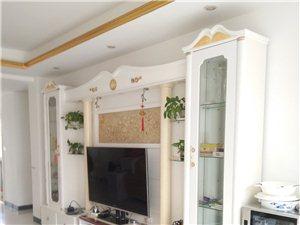 金海湾,环境优美,3房2厅2卫,豪华装修,价格实惠!