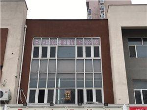 三楼400平商贸楼 电梯入户