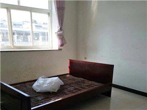 龙台小区3室 2厅 1卫700元/月