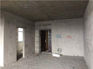 【枫桦百合公寓】 电梯房9楼  毛坯   3房2厅2卫  49.8万