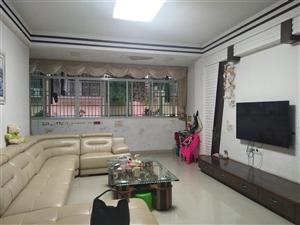 府江小区3室 2厅 2卫82万元精装修带车库32平