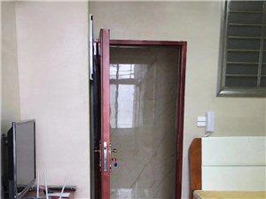 龙凤都城附近1室 0厅 1卫850元/月