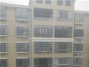 融家地产:湘天国际旁毛坯电梯房3房2厅2卫47.5万