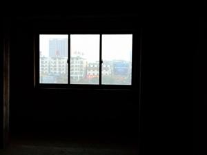 姜子牙广场3室 2厅 1卫64万元
