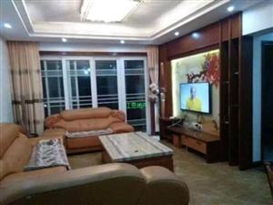 龙昌商住大楼3室 2厅 2卫2300元/月