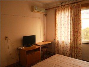 单间大床房,家电齐全,独立厨卫,整租不合租。