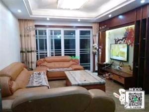 城中心龙昌商住大楼3室 2厅 2卫2300元/月
