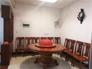 温馨小屋亲水湾3室 2厅 2卫2200元/月